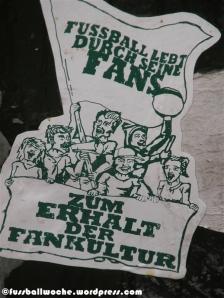"""Aufkleber """"Zum Erhalt der Fankultur""""."""