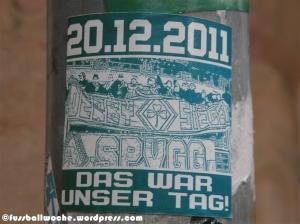"""Aufkleber """"20.12.2011 - Das war unser Tag""""."""