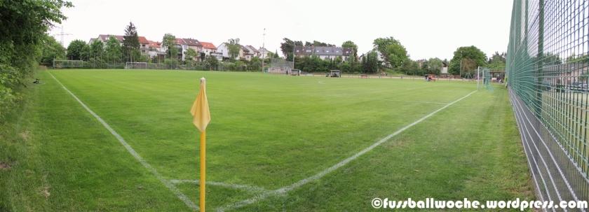 Panorma des Sportplatzes der SpVgg Nürnberg im Neumühlweg.
