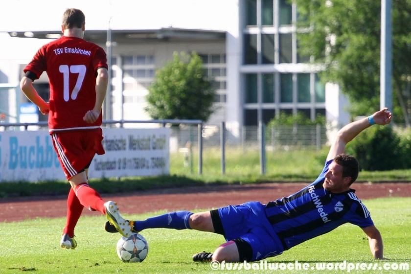 Voller Einsatz! (TSV Emskirchen - ASC Boxdorf am 15.06.2016).